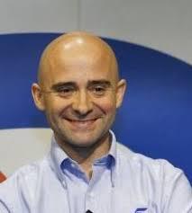 """Antonio Lobato, comentarista de Fórmula 1, ha reconocido que """"gracias a que en España todo el mundo se cree que sabe de esto, tenemos cinco millones de ... - lobato"""