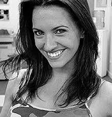 Ana Ruiz (la telefonista de 'Camera Café') será una de las nuevas caras de Antena 3 por partida doble. Además de participar en la serie de treintañeros ... - 1386187