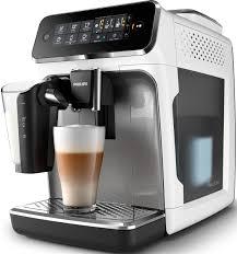 <b>Автоматическая кофемашина Philips Series</b> 3200 EP3243/70 с ...
