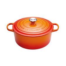 <b>Кастрюля</b> чугунная с <b>крышкой</b> Le Creuset 20 см, <b>2.4</b> л, оранжевый