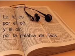 Resultado de imagen para imagenes de personas escuchando la palabra de Dios por internet