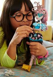 <b>Monster High</b> Shriek Wrecked: Дракулаура, Лагуна, Рошель ...