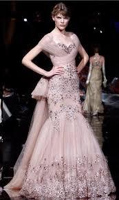 images?qtbnANd9GcQhdxupHwXCGNB2o0K6XuYt3L0eIQb7f5Ozd0v3lavkTlyGVX B - en güzel pembe renk elbise modelleri