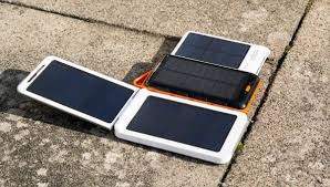 10 Best Solar Power Banks in 2019 (Review & Guide) - Mippin