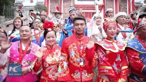 50 <b>Chinese traditional outfits</b> displayed at group <b>wedding</b> - YouTube