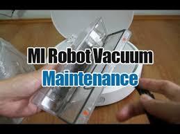 <b>Xiaomi</b> MI Robot Vacuum Maintenance (Emptying the Dirt Bin ...