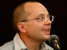 Российский блогер Шестаков: С тяжелым сердцем <b>я</b> пью <b>молоко</b> ...