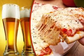 Resultado de imagen para imagenes de personas comiendo pizzas