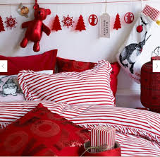decorations red and white christmas teen bedroom decoration decorations red and white christmas teen bedroom decoration feature cute christmas paper craft banner on headboard and hand craft red christmas lantern on