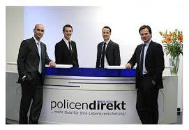 ... von links nach rechts) Dr. Nikolai Dördrechter, Simon Nörtersheuser, Max Ahlers und Sebastian Siebert, so: Die Versicherungsnehmer seien nicht ... - policendirekt
