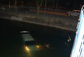 Ayrılmak isteyen sevgilisinin aracını sulama kanalına attı