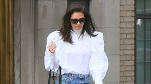 Katie Holmes Shows How to Dress Up <b>Ripped Jeans</b> | Vogue