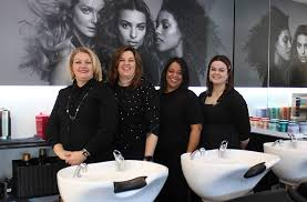 Our Mairangi Bay <b>hairdressers</b> offer friendly FREE hair consulting