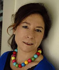 Envíe sus preguntas a la escritora Mercedes Abad. La escritora, una de las maestras del cuento, trae a este Sant Jordi 'Media docena de robos y un par de ... - 1240393406_extras_portadilla_0