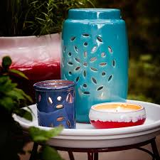 candles provide accent light with a soft glow arrange candles together on a dining table or side table for a more dramatic effect candle lighting ideas
