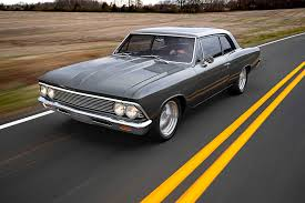 <b>Old</b>-<b>School</b> Style Takes Over This 1966 Chevelle Restomod