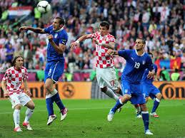 Картинки по запросу италия россия футбол