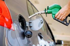 Precios de combustibles en abril se mantienen estables