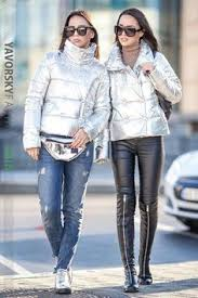 На фото <b>куртка</b> косуха от бренда #<b>Maje</b> Цвет темно серый с ...