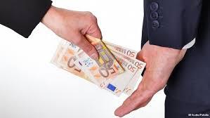 La corruption chez ceux qui s'en prétendent immunisés et ne sont pas avares de leçons à ce sujet... Plus de 40% des sociétés de l'UE se plaignent de la corruption dans ECONOMIE MONDIALE