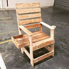 55 DIY <b>Pallet Chairs</b> Design Ideas That You Can Try ~ Matchness.com