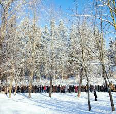epiphany frombrandon medium thousands gathered at sharzhin yar a small park a natural spring and the site of kharkov s newest orthodox church