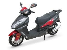 Працівники поліції Чернівців знайшли викрадений скутер