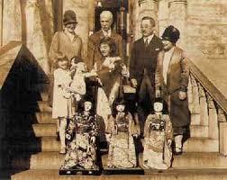 「(12)1927年 - アメリカの親日家・シドニー・ギューリックが日本に贈呈した青い目の人形の「ミス・アメリカ」など各州代表人形が日本に到着。」の画像検索結果
