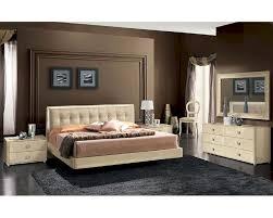 Modern Bedroom Set Furniture Modern Bedroom Set In Beige Finish Made In Italy 33b101