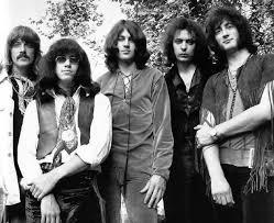 <b>Burn</b> - <b>Deep Purple</b> - LETRAS.MUS.BR