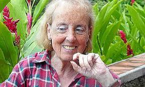 """Catalina Montes en la selva de El Salvador.   Lola Leonardo. """"Escribía poemas pero era muy discreta. Nunca quería que hablaran de ella, que la señalaran, ... - 1329212023_extras_ladillos_1_0"""