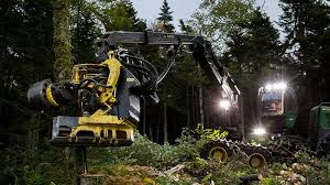 Harvesting Heads | Forestry Attachments | John Deere US