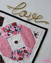 Hello Luv! A <b>new</b> free <b>table</b> mat pattern - <b>Pat</b> Sloan's Blog