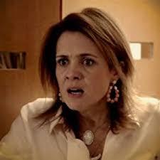 """Em """"Avenida Brasil"""", após flagrar Nina com Max, Carminha promete matar a cozinheira (8/8/12). De acordo com o site """"Na Telinha"""", Carminha (Adriana Esteves) ... - em-avenida-brasil-apos-flagrar-nina-com-max-carminha-promete-matar-a-cozinheira-8812-1344425792818_300x300"""