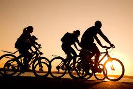 Risultati immagini per andare in bicicletta