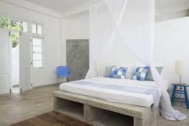 bedrooms airbnb cool office design train tracks
