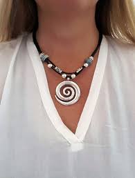 spiral pendant, woman leather <b>necklace</b>, girlfriend, beaded, <b>uno de</b> ...