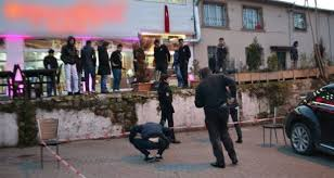تركيا - مسلحان يطلقان النار على مطعم أوسمان يلماز في إسطنبول