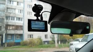 Тест <b>видеорегистратора NAVITEL R400</b> NV: к ночной съемке готов