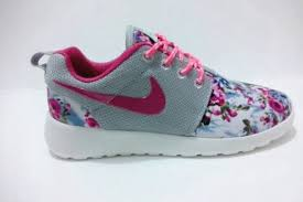Cheap <b>Floral</b> Nike Roshe Pink And Grey Women | CONMEBOL