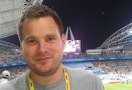 Adde Granberg är tekniskt ansvarig för alla SVT:s sändningar och har ideligen kontakt med Åsa Jönsson Edlund. 14.45 Enskilt möte med chefen för alla ... - adde_granberg