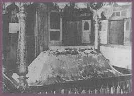 Image result for images of rare picture of shirdisaibaba samadhi