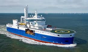 windfarm support vessel for oil and gas maintenance duties focused on high speed transits between turbines while remaining in dp