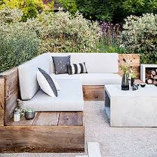 patio furniture sectional ideas: the classy home is your single point solution for selecting the right outdoor sectionals that not only add the seating space but at the same time