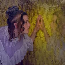 analysis of the yellow wallpaper through the psychoanalysis and    picture