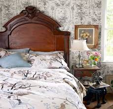 bedroom decorating ideas with antique furniture antique furniture decorating ideas