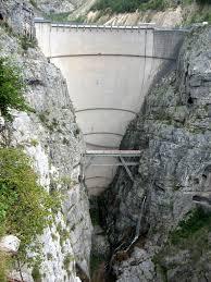「バイオントダム地すべり事故」の画像検索結果