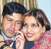 Asha Patil with her deceased husband Mumtaz Khalid - nation2123456