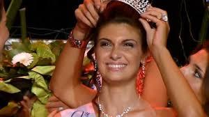 DR; <b>Elodie Paillardin</b>, émue lors de son couronnement ! - Elodie-Paillardin-emue-lors-de-son-couronnement_portrait_w674