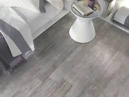 Pavimento Bianco Effetto Marmo : Pavimento in gres porcellanato effetto legno pro e contro